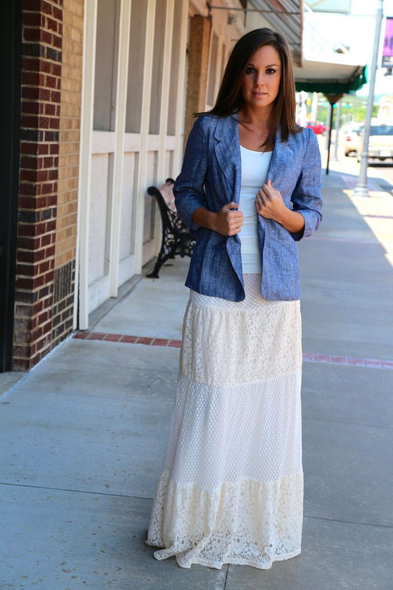 a41ec18e1e9 Maxi Skirts Outfit Ideas To Try 2019 ⋆ FashionTrendWalk.com