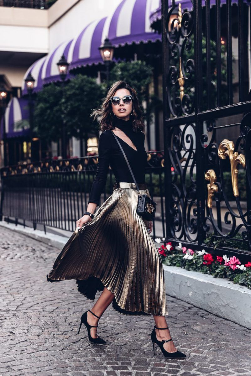 Best Ways to Wear Pleated Skirts 2020