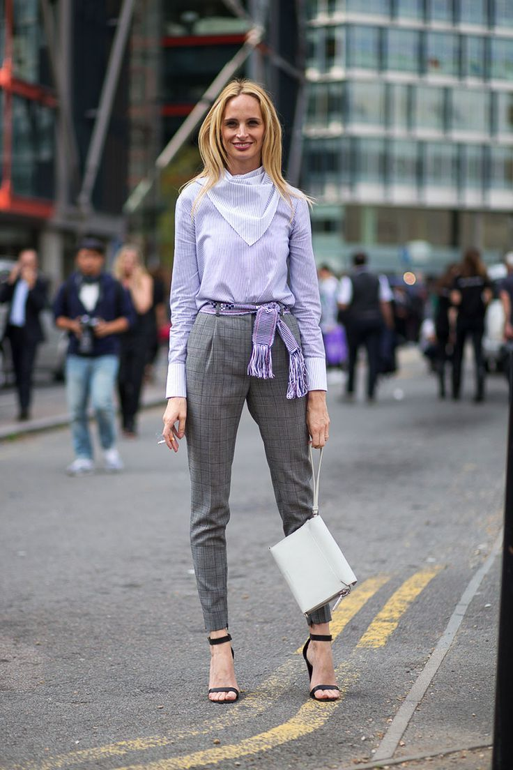 5a81be02f78b How to Wear Skinny Scarves For Women 2019 ⋆ FashionTrendWalk.com