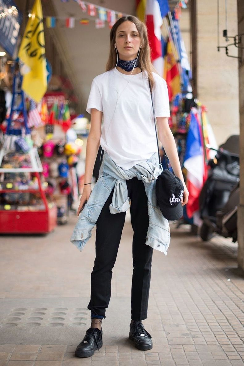 beaf7069 White Shirt Outfit Ideas To Try 2019 ⋆ FashionTrendWalk.com