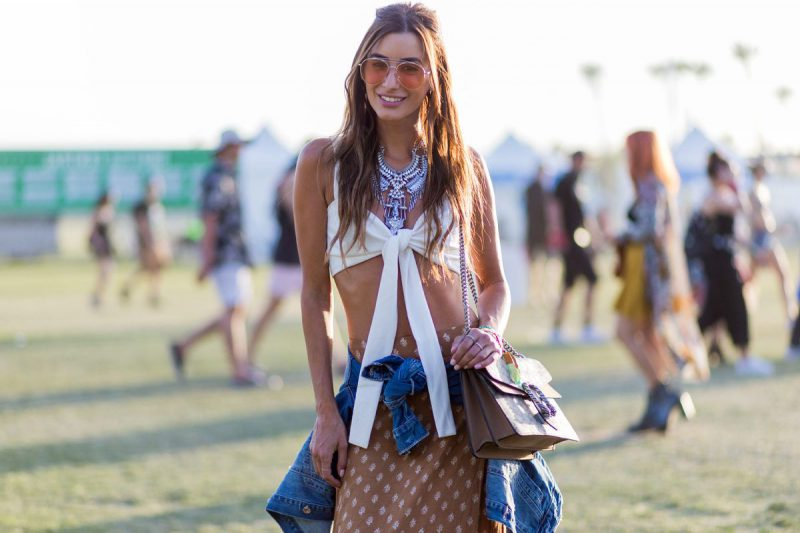 2018Coachella Outfit Ideas For Women Street Style To Copy (19)