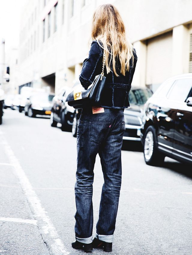 2018 Baggy Jeans Trend For Women Street Style Inspo (16)