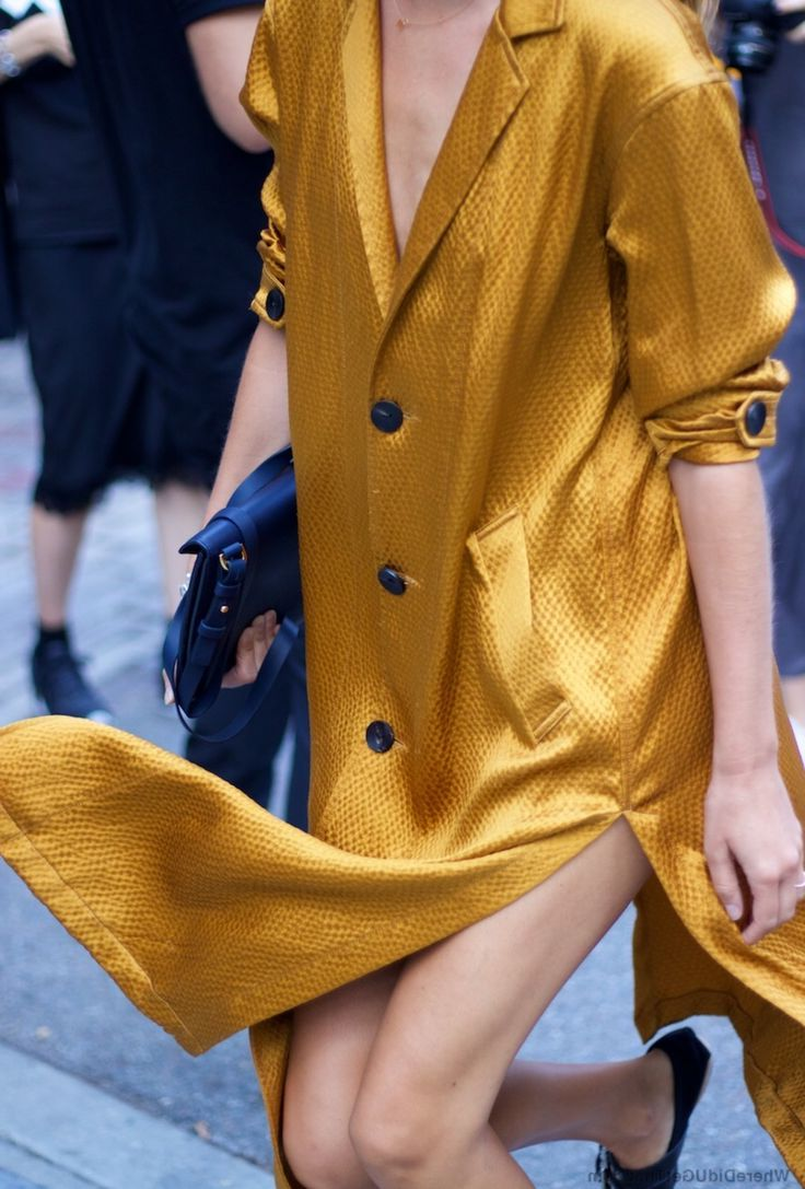 33 Ways To Wear Gold For Women 2020