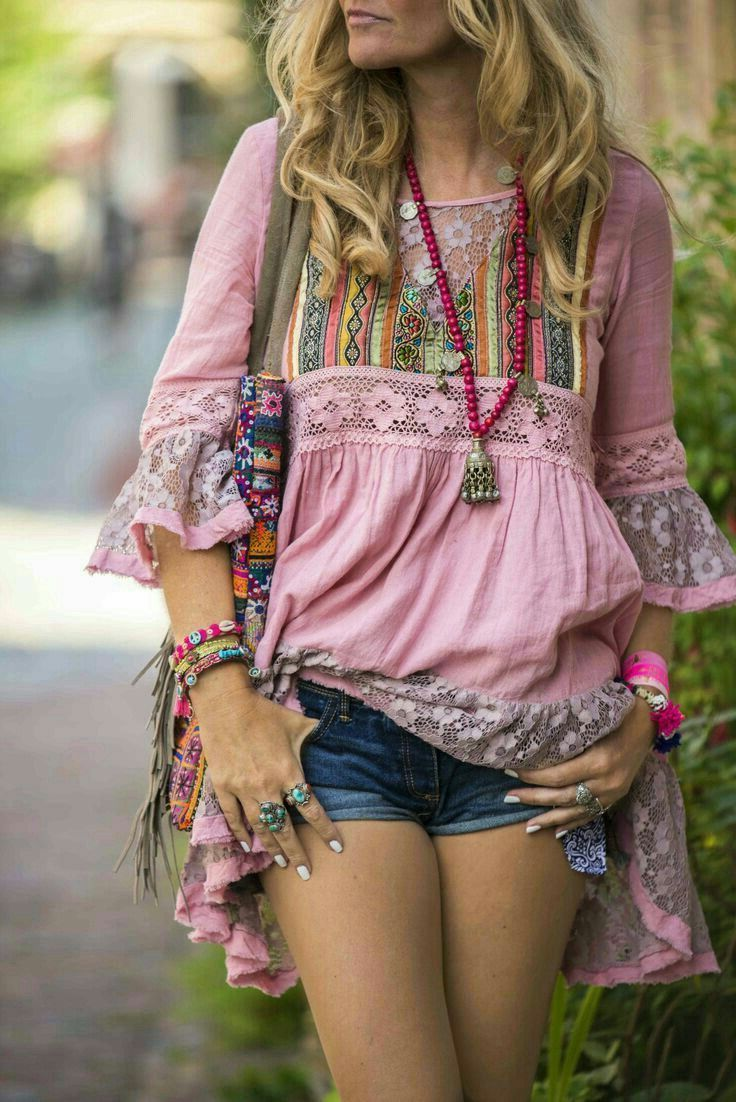 2018 Bohemian Fashion Must Haves For Women Street Style Inspiration (14)