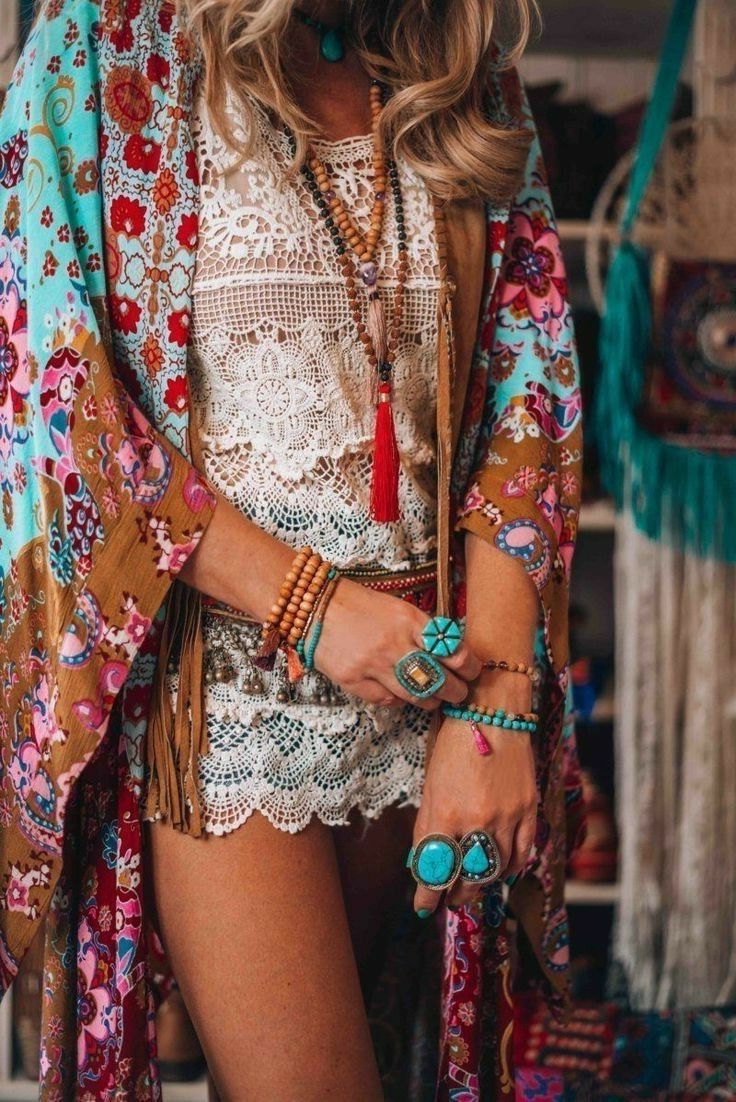 2018 Bohemian Fashion Must Haves For Women Street Style Inspiration (36)