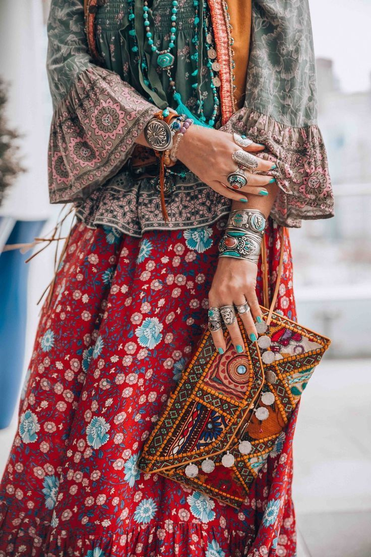 2018 Bohemian Fashion Must Haves For Women Street Style Inspiration (38)