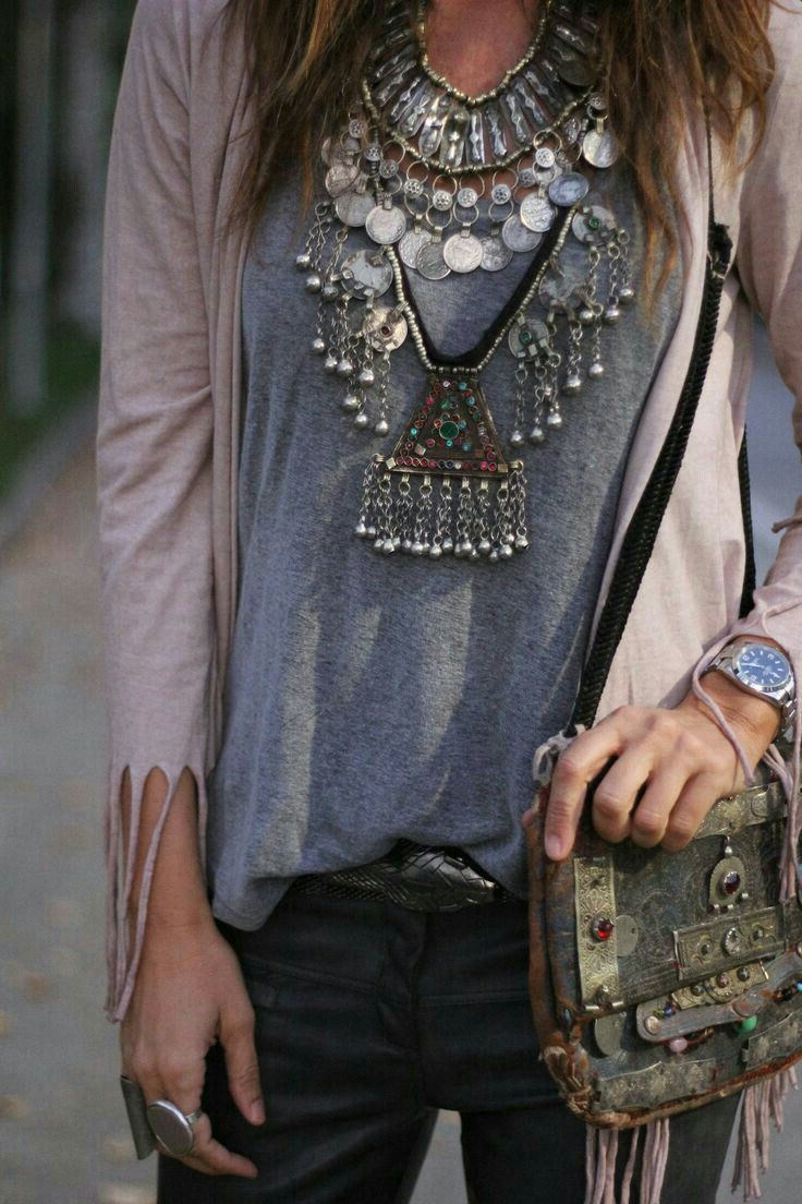 2018 Bohemian Fashion Must Haves For Women Street Style Inspiration (39)