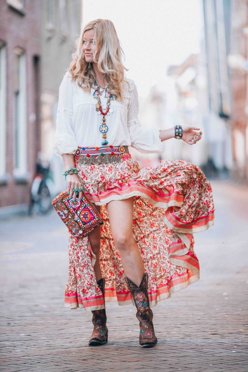 2018 Bohemian Fashion Must Haves For Women Street Style Inspiration (44)