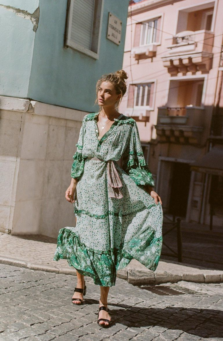 2018 Bohemian Fashion Must Haves For Women Street Style Inspiration (52)