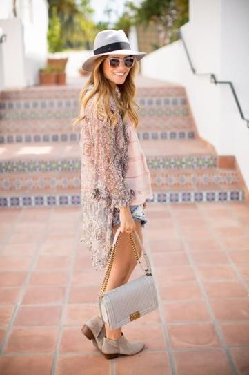 2018 Bohemian Fashion Must Haves For Women Street Style Inspiration (72)