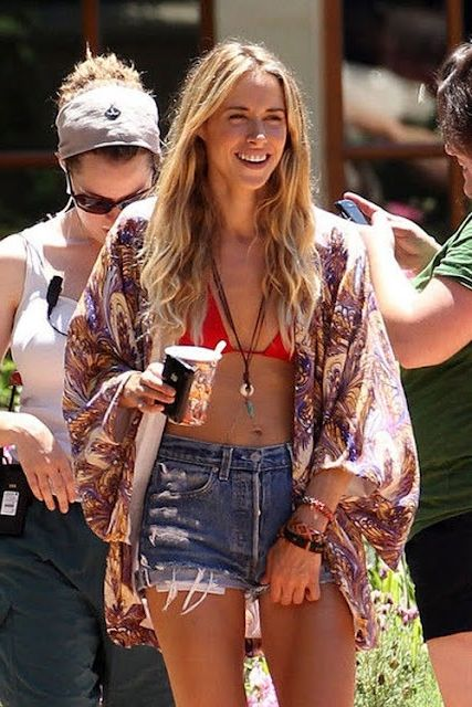 2018 Summer Pool Party Outfit Ideas For Women Best Inspiration (31)
