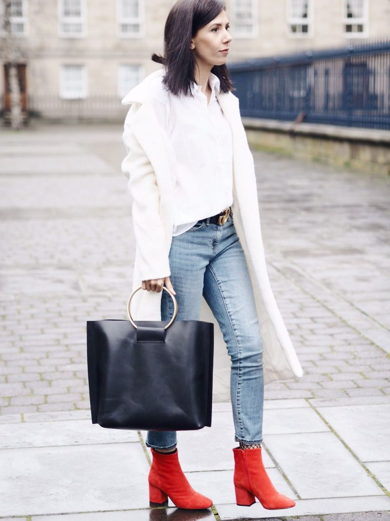 How To Wear Ankle Boots For Women Street Style (10)