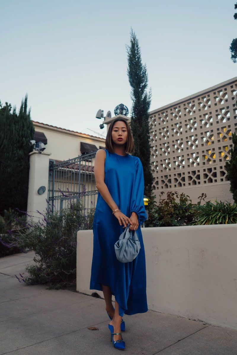 How To Wear Blue Dresses Simple Tricks And Style Tips (10)