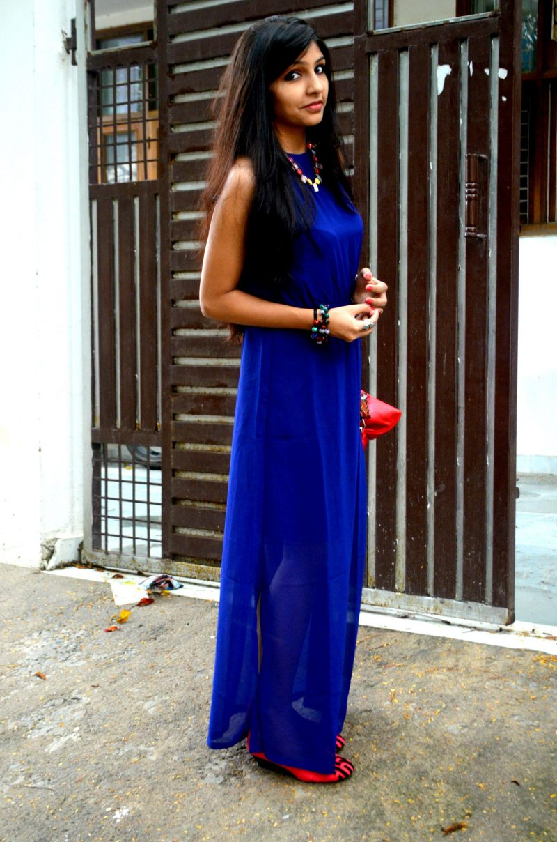 How To Wear Blue Dresses Simple Tricks And Style Tips (22)