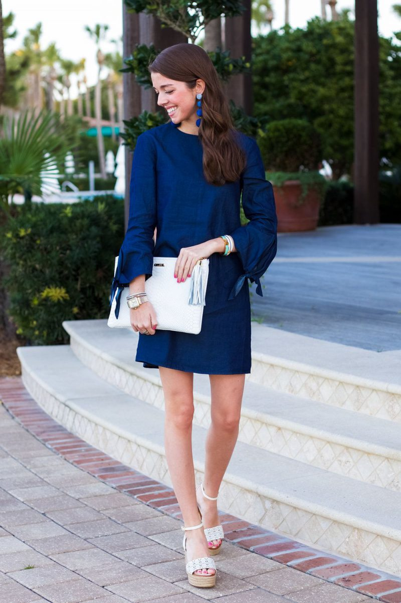 How To Wear Blue Dresses Simple Tricks And Style Tips (26)