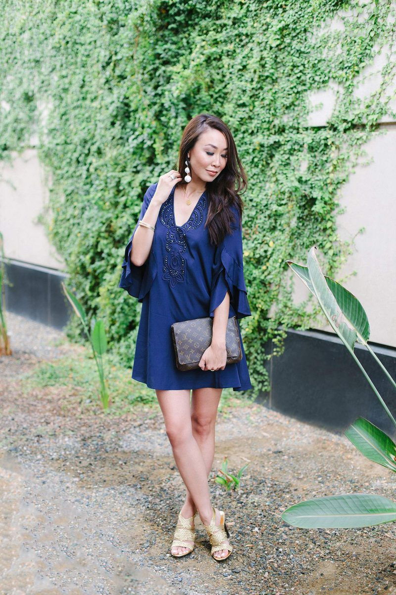 How To Wear Blue Dresses Simple Tricks And Style Tips (27)