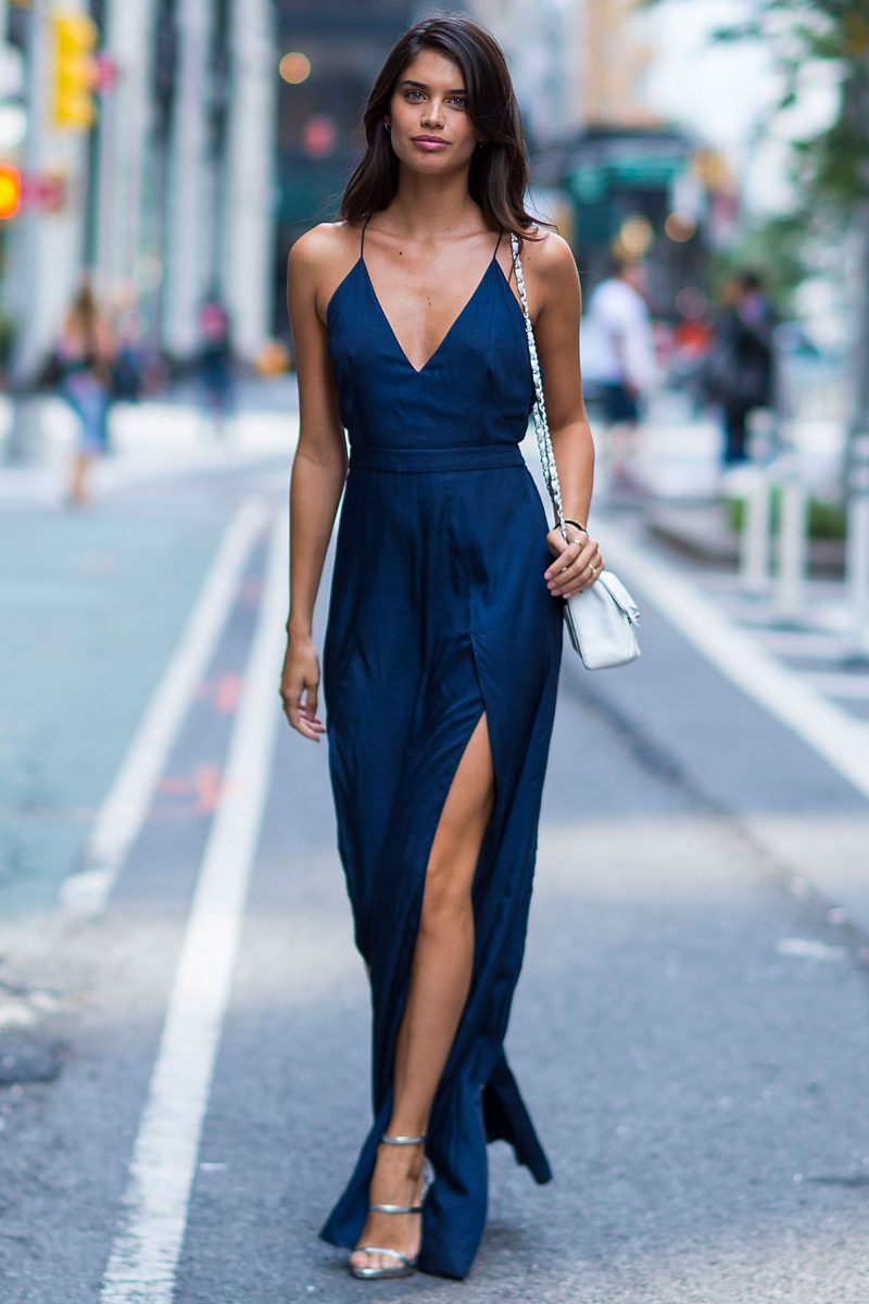 How To Wear Blue Dresses Simple Tricks And Style Tips (28)