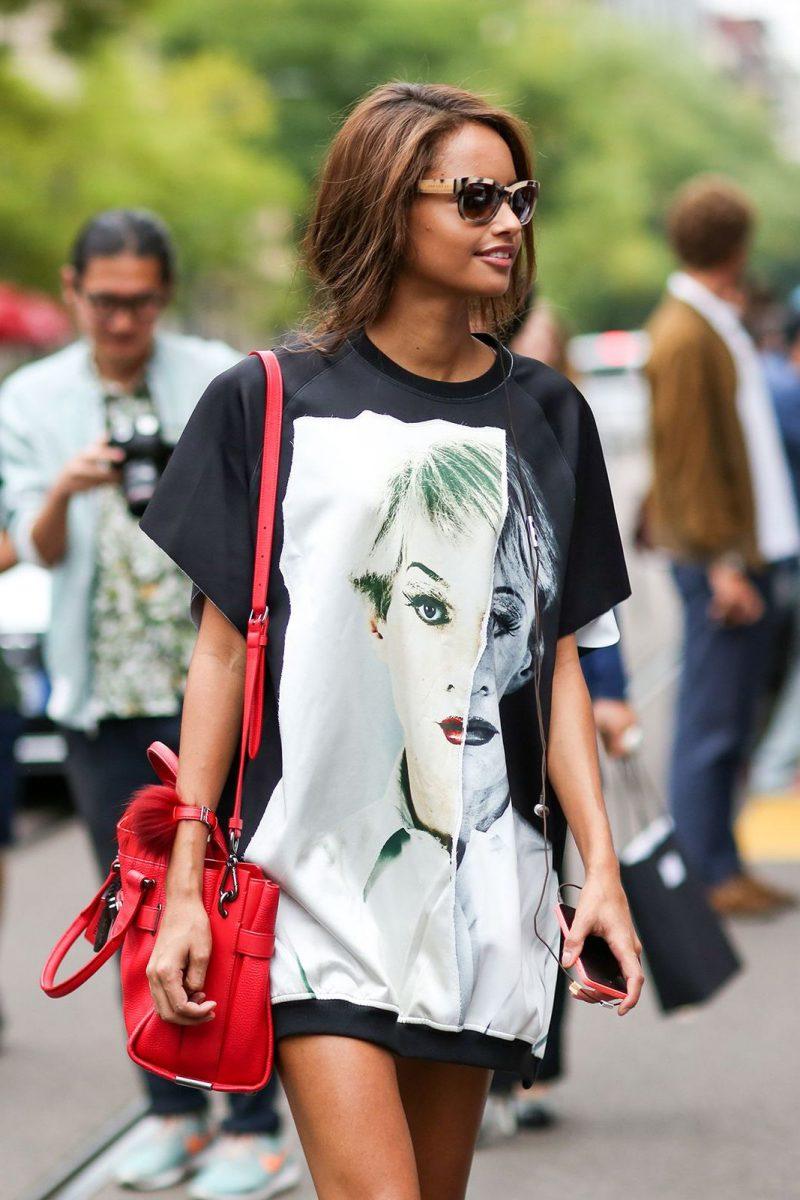 fdb0c64f9aa Oversized T-Shirts Trend 2019 ⋆ FashionTrendWalk.com