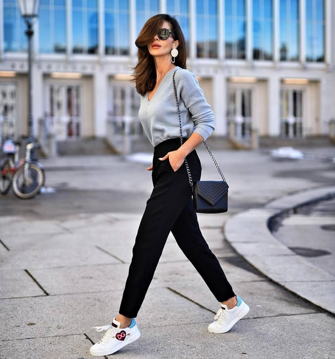 How To Wear Black Pants With White Sneakers This Spring 2019