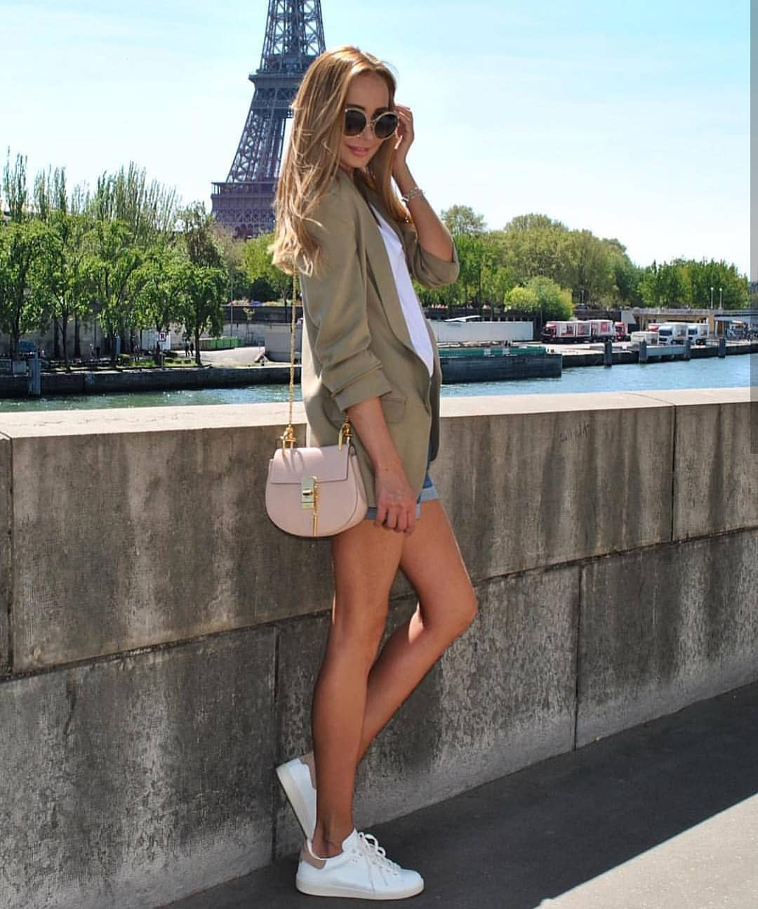 Can You Wear Khaki Boyfriend Blazer In Paris This Summer 2019