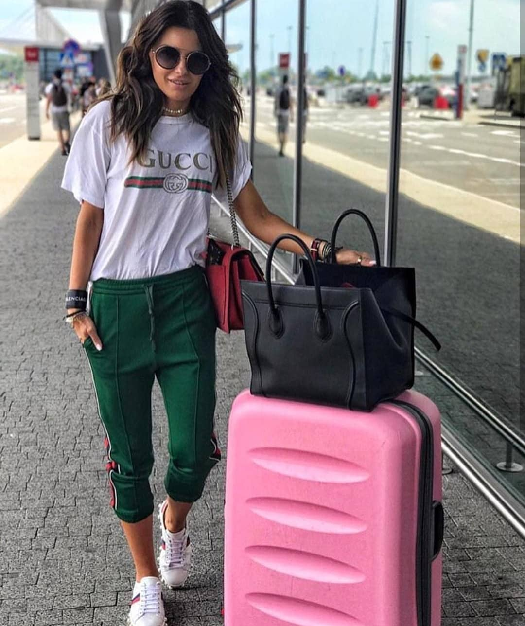 Green Jogger Pants, White Tee And White Kicks For Airport Casual Summer 2020