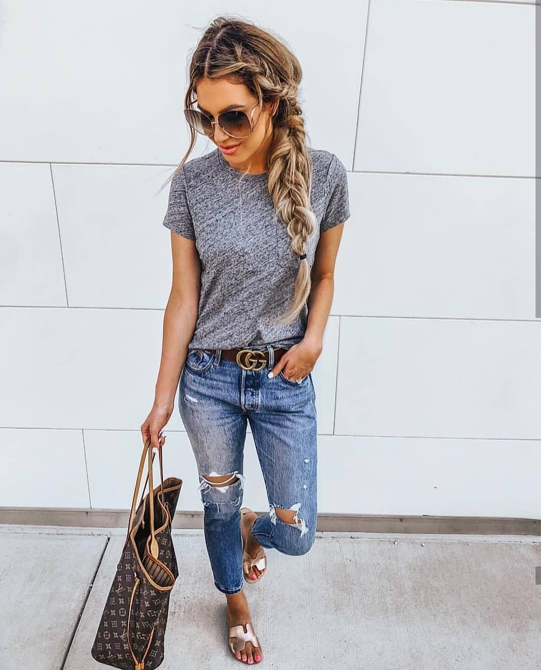 Washed Blue Ripped Jeans And Grey T-Shirt For Summer Vacation 2019