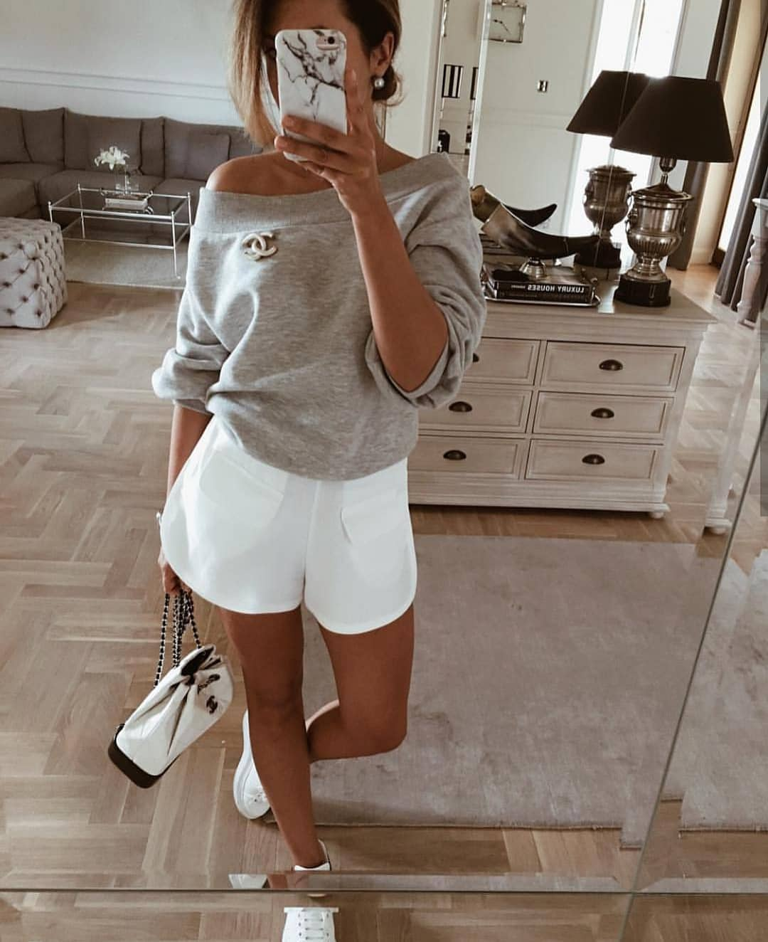 How To Wear Grey Off-Shoulder Sweater With White Shorts And White Sneakers 2020