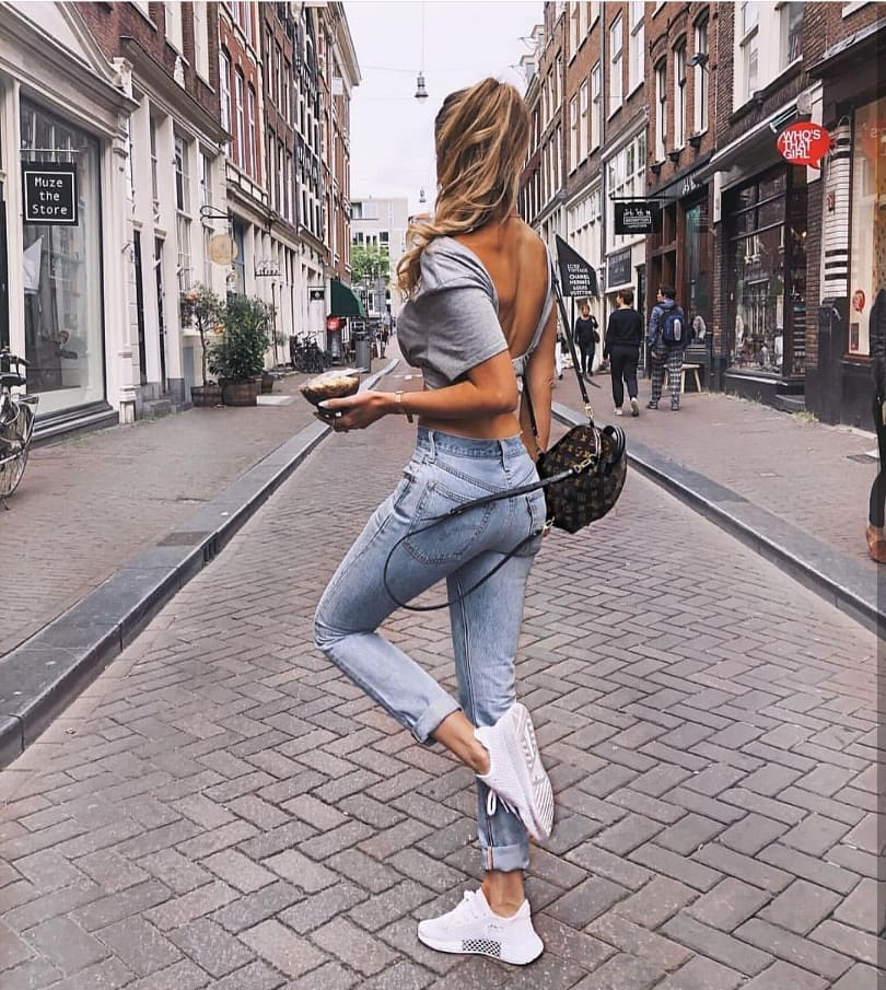 How To Wear White Sneakers With Skinny Jeans This Summer 2019