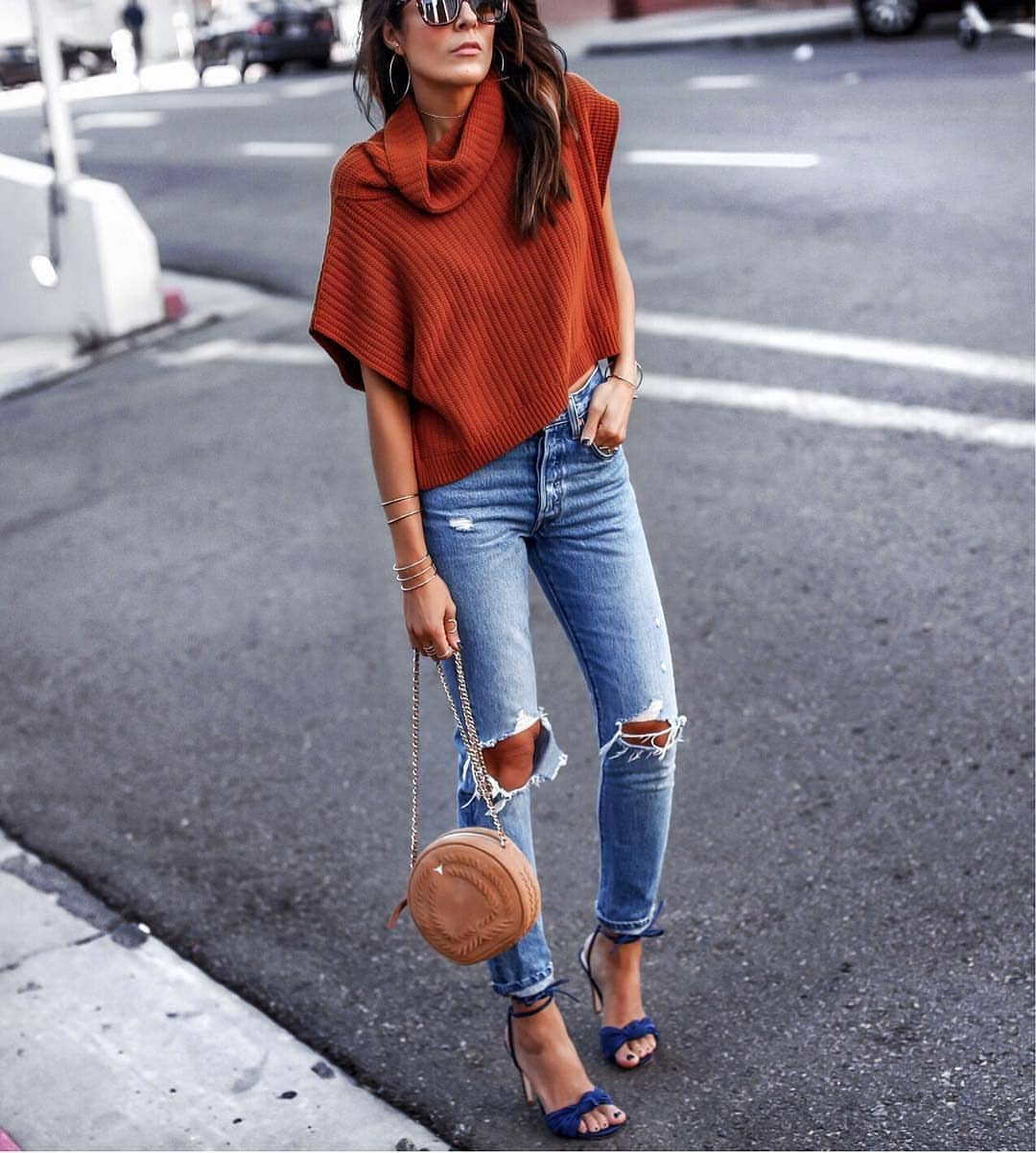 Slouchy Sleeveless Sweater With Knee-Ripped Jeans For Summer Street Walks 2019
