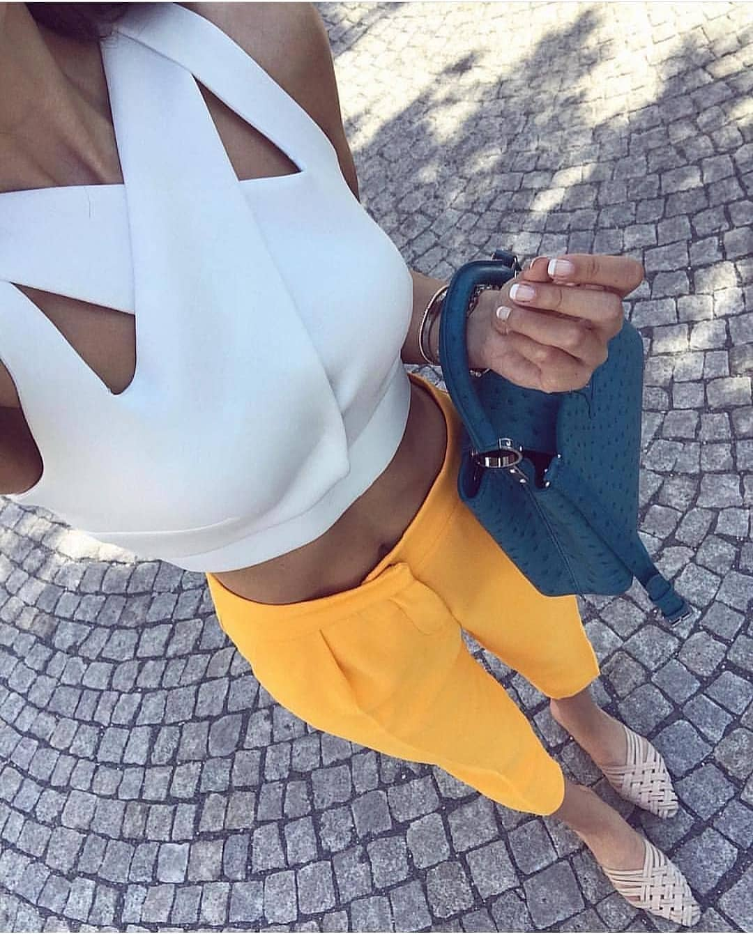 How To Wear White Cut-Out Criss-Cross Crop Top This Summer 2019