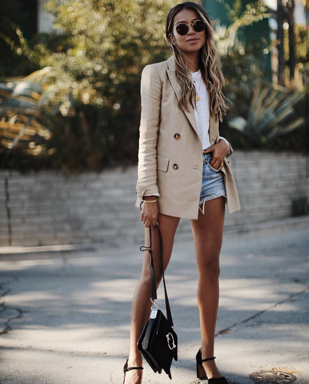 How To Wear Long Beige Blazer This Summer 2019