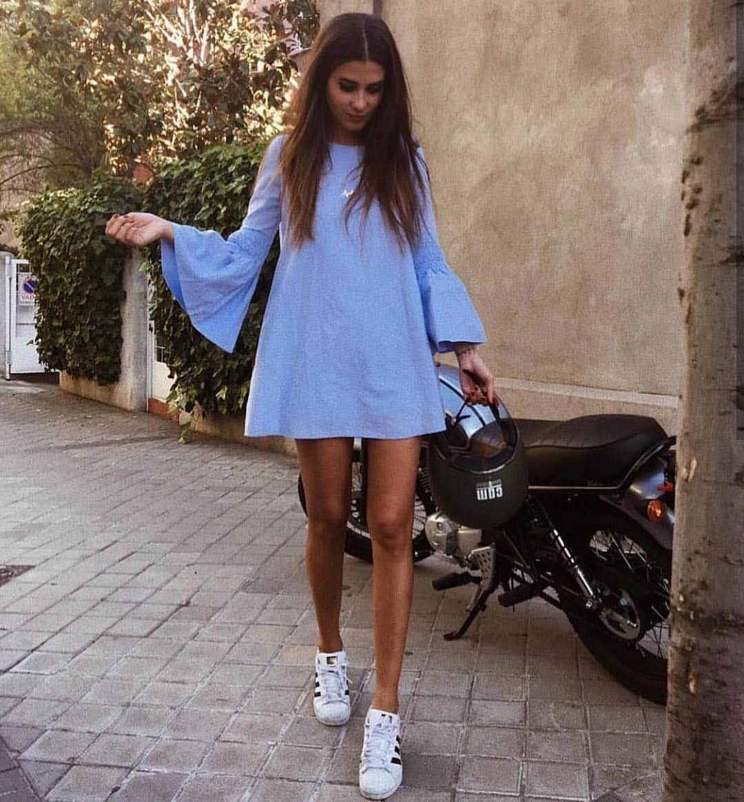 Can I Wear Bell Sleeve Blue Shift Dress With White Sneakers For Summer Vacay 2019