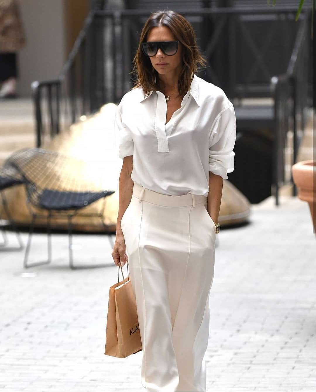 All White Outfit Idea For Summer Worn By Victoria Beckham 2020