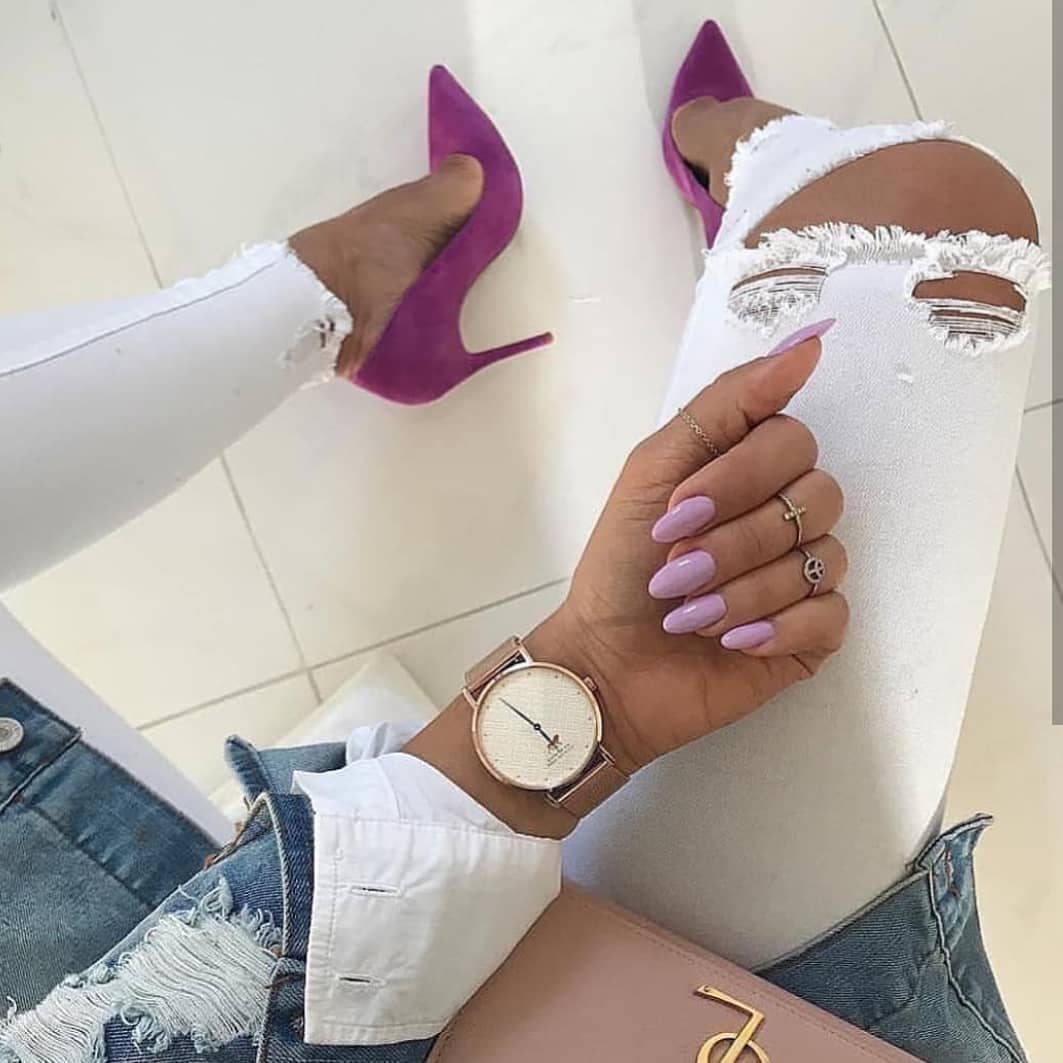 Purple Heels With White Ripped Jeans And Ripped Denim Jacket For Summer 2019