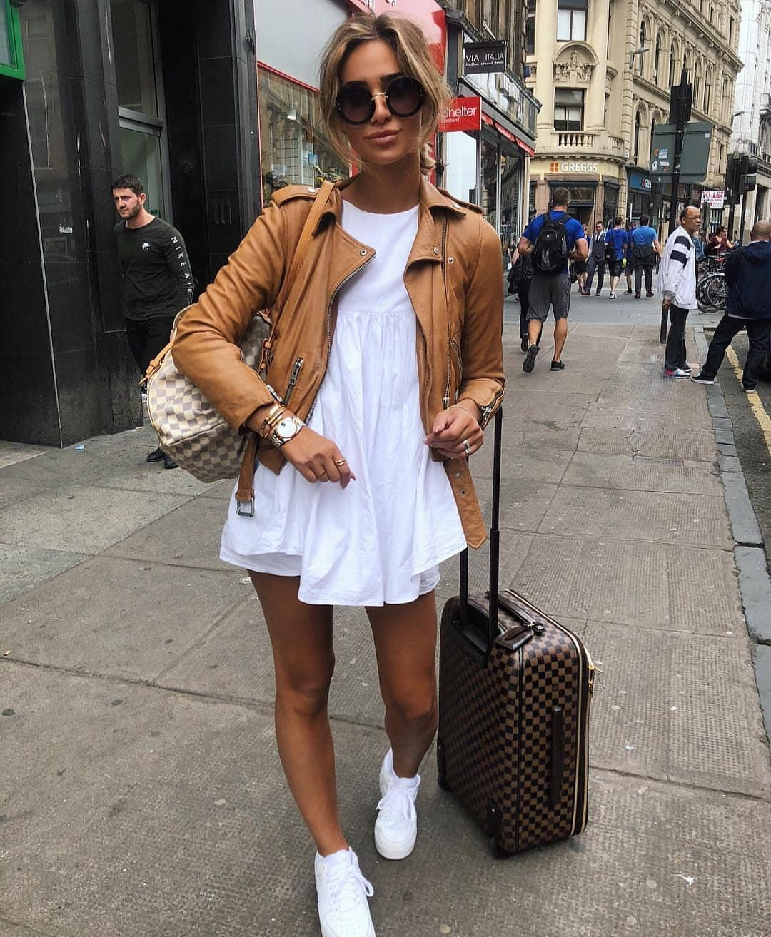 Summer Traveling OOTD: Brown Leather Jacket, White Tunic, White Shorts And Kicks 2020