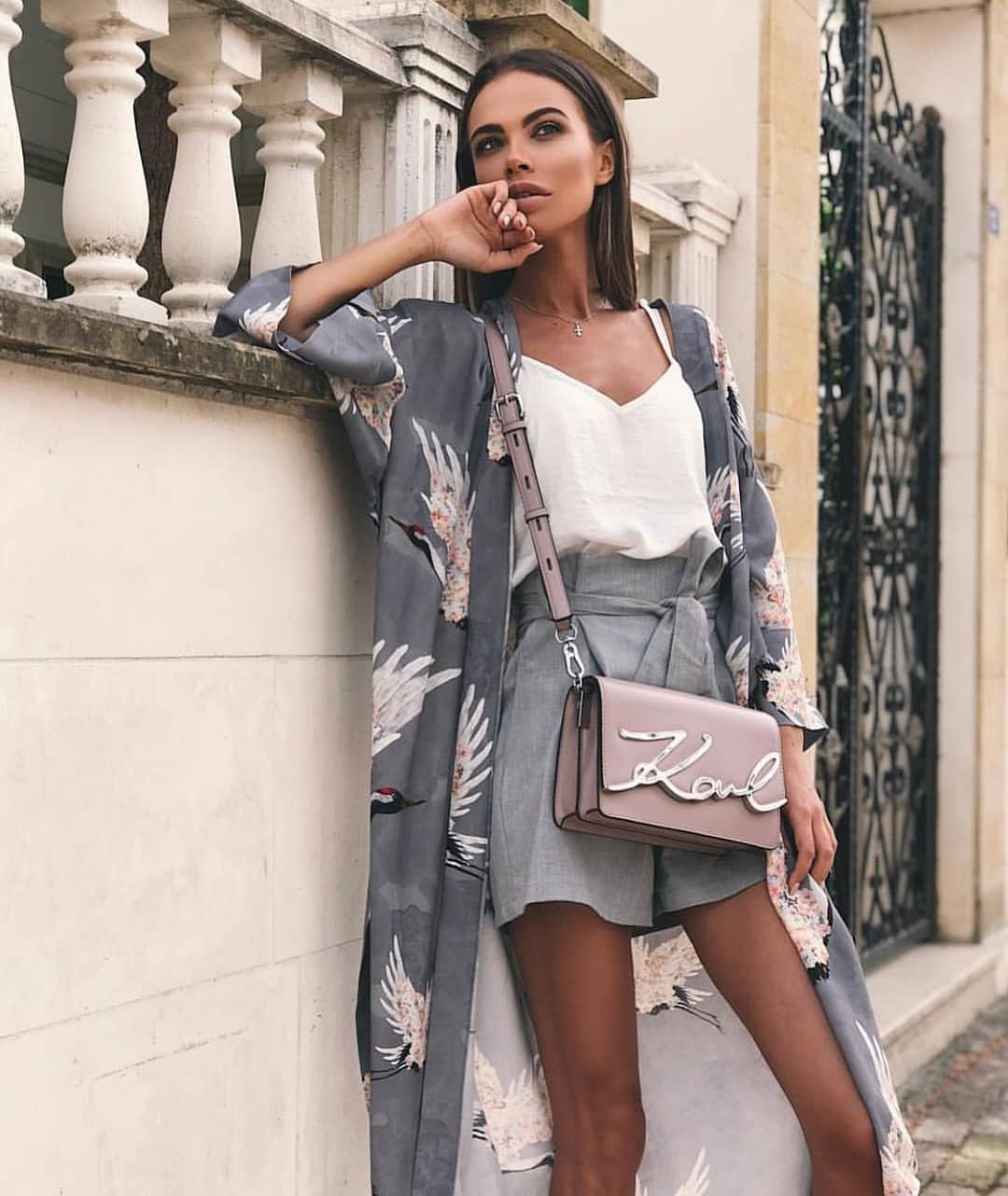 How To Wear Long Grey Kimono In Bird Print This Summer 2019