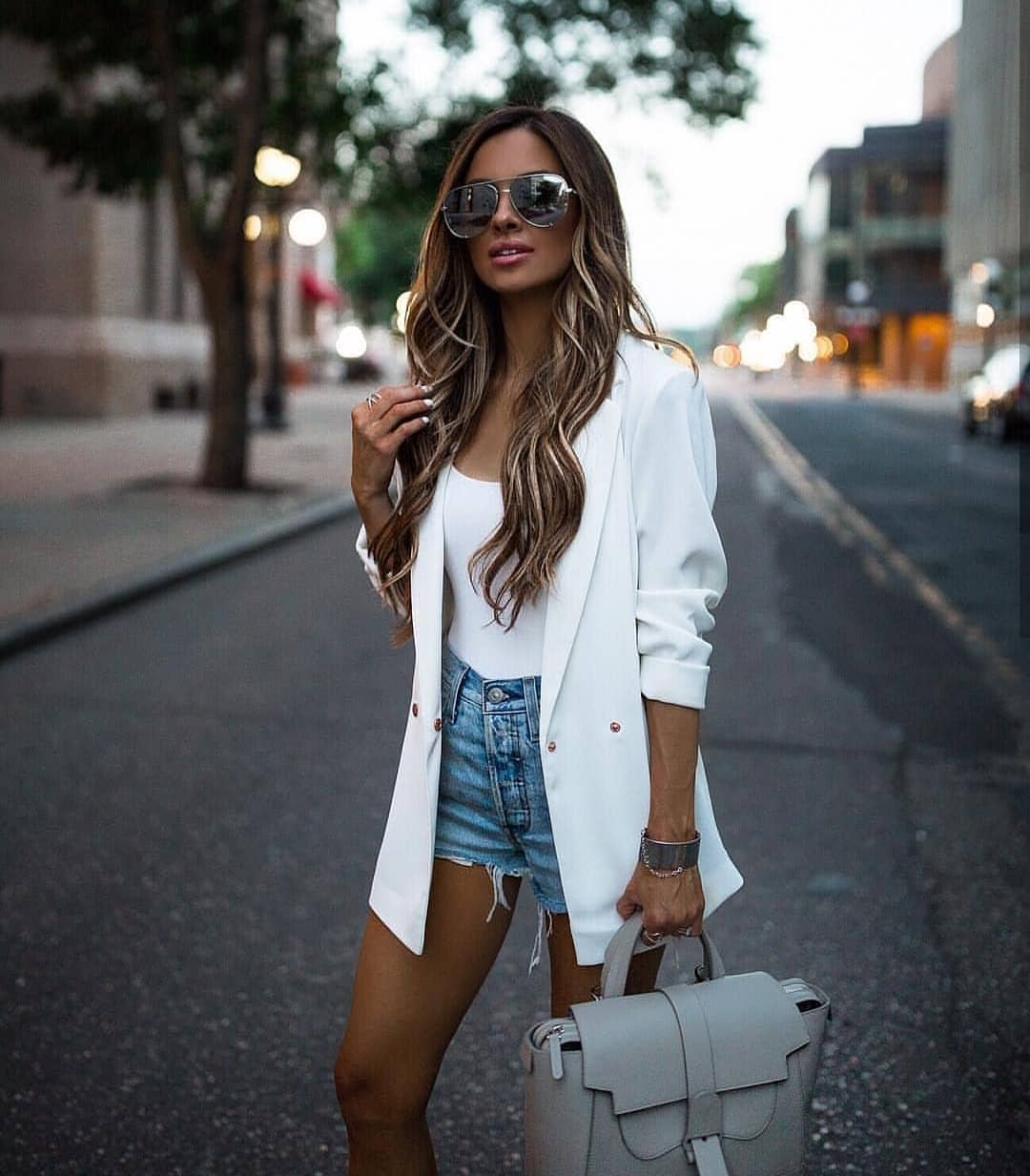 How To Style Long White Blazer This Summer 2019