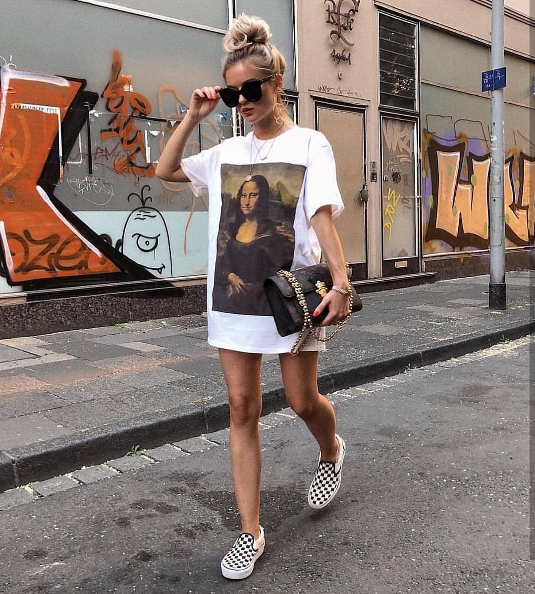 White T-Dress With Mona Lisa Print For Summer 2019