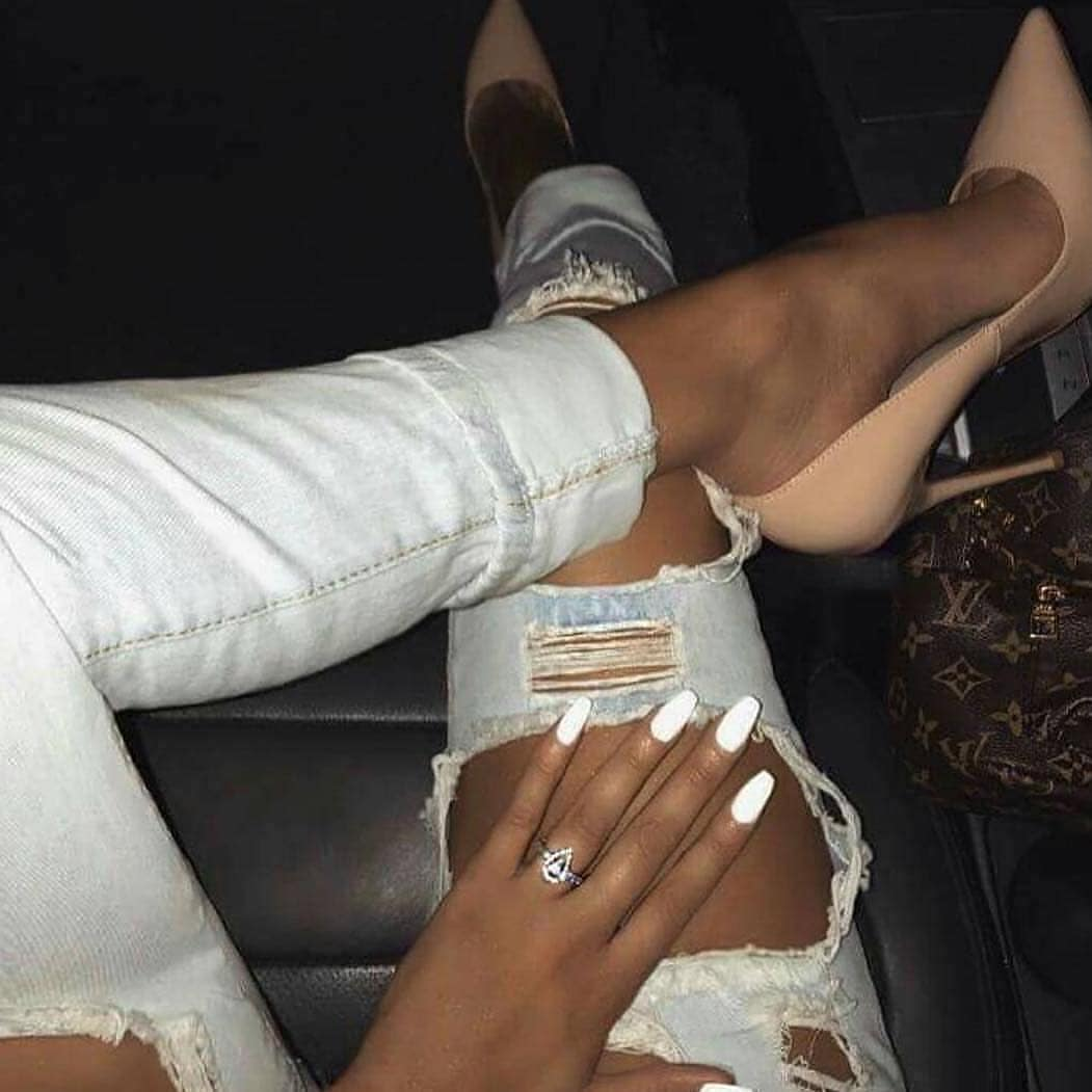 Can I Wear Nude Heeled Pumps With White Ripped Jeans This Summer 2019