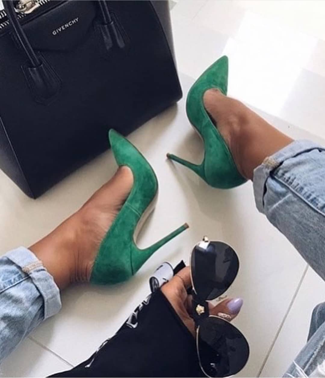 Suede Green Pumps With Boyfriend Jeans For Summer Casual Street Walks 2019