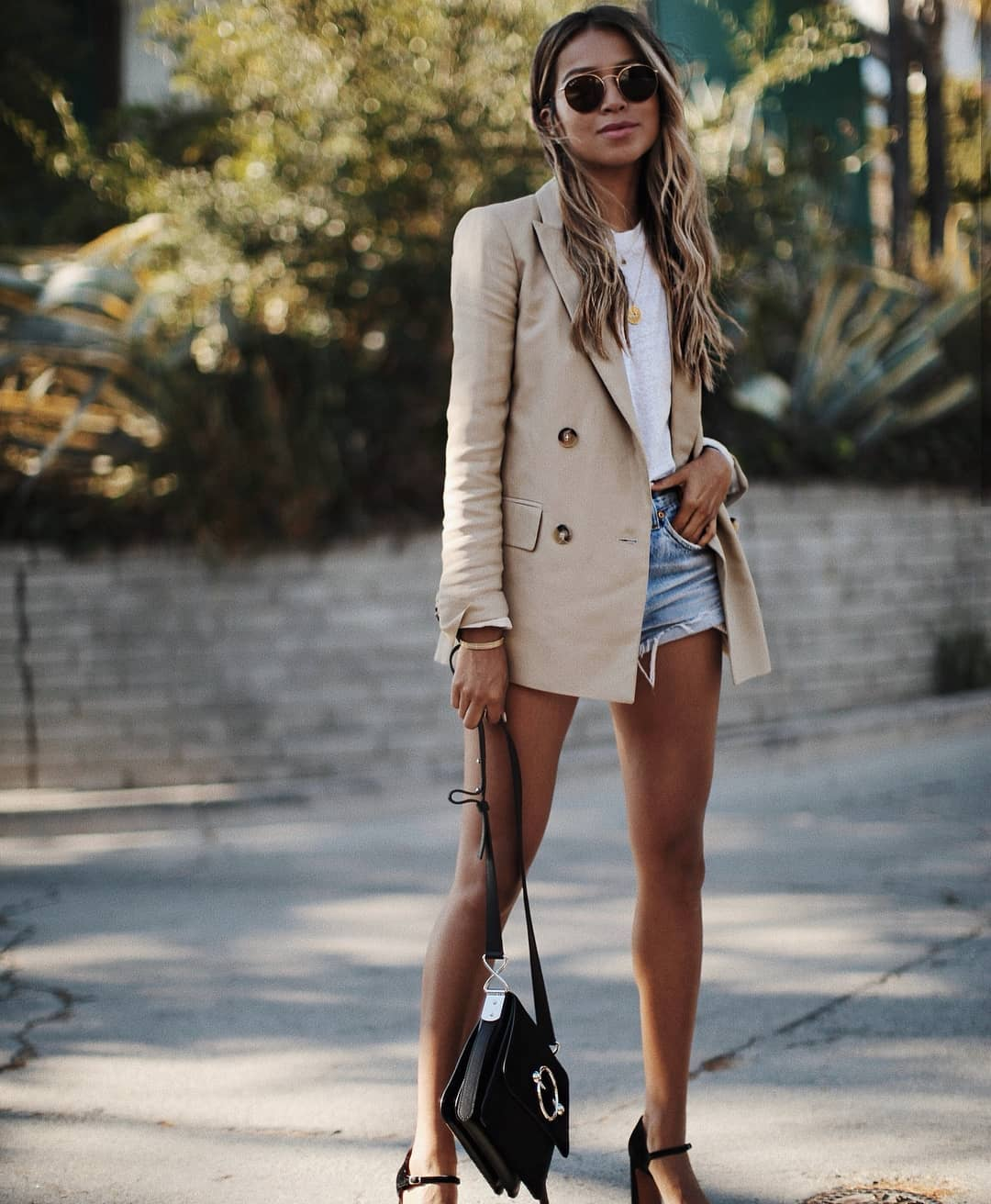How To Wear Beige Long Blazer This Spring 2020