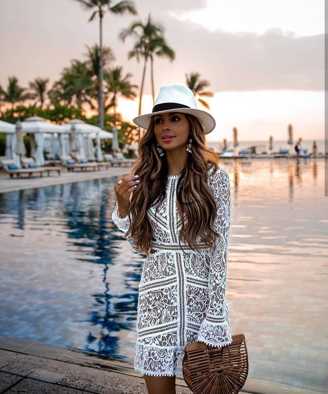 White Lace Dress With Long Sleeves For Summer Beach Parties 2019