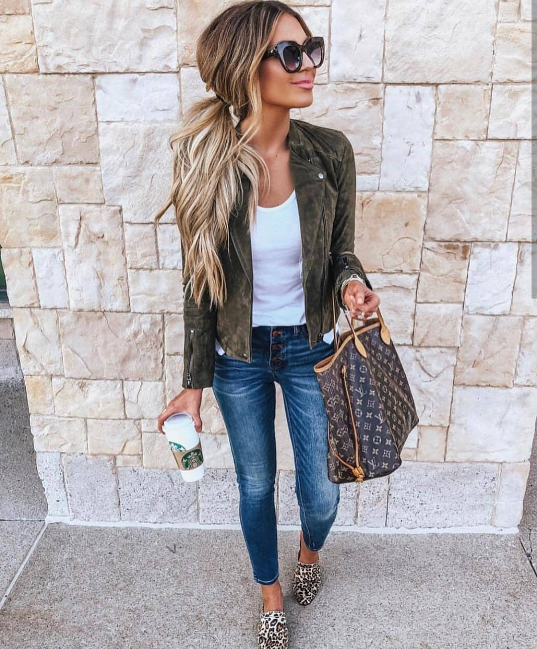 Smart Casual Combo For Spring: Suede Green Jacket And Blue Jeans 2020