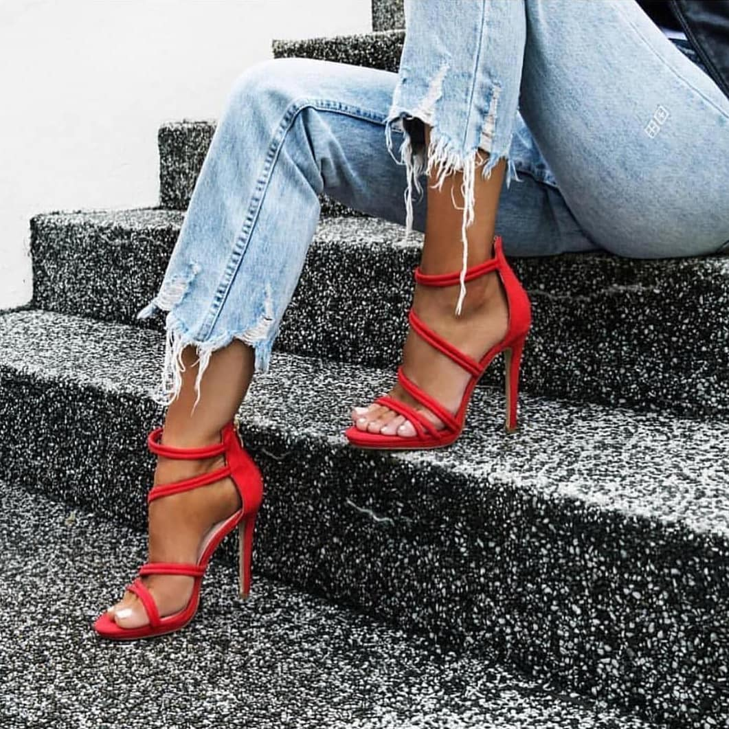 Frayed Jeans In Wash Blue And Red Heeled Sandals For Summer Casual Parties 2019