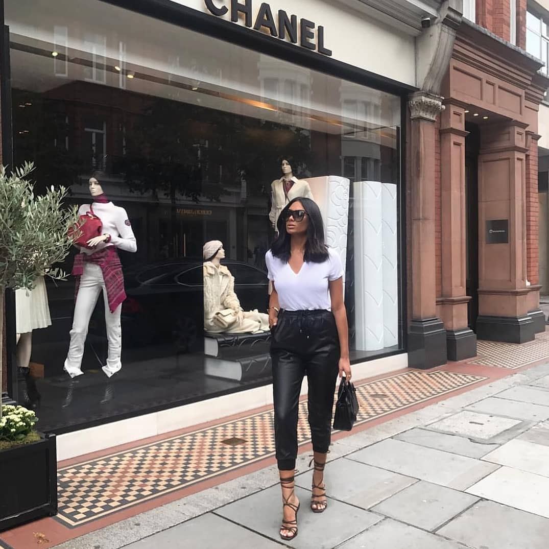 Street Style Basics: White T-Shirt And Black Leather Joggers 2019
