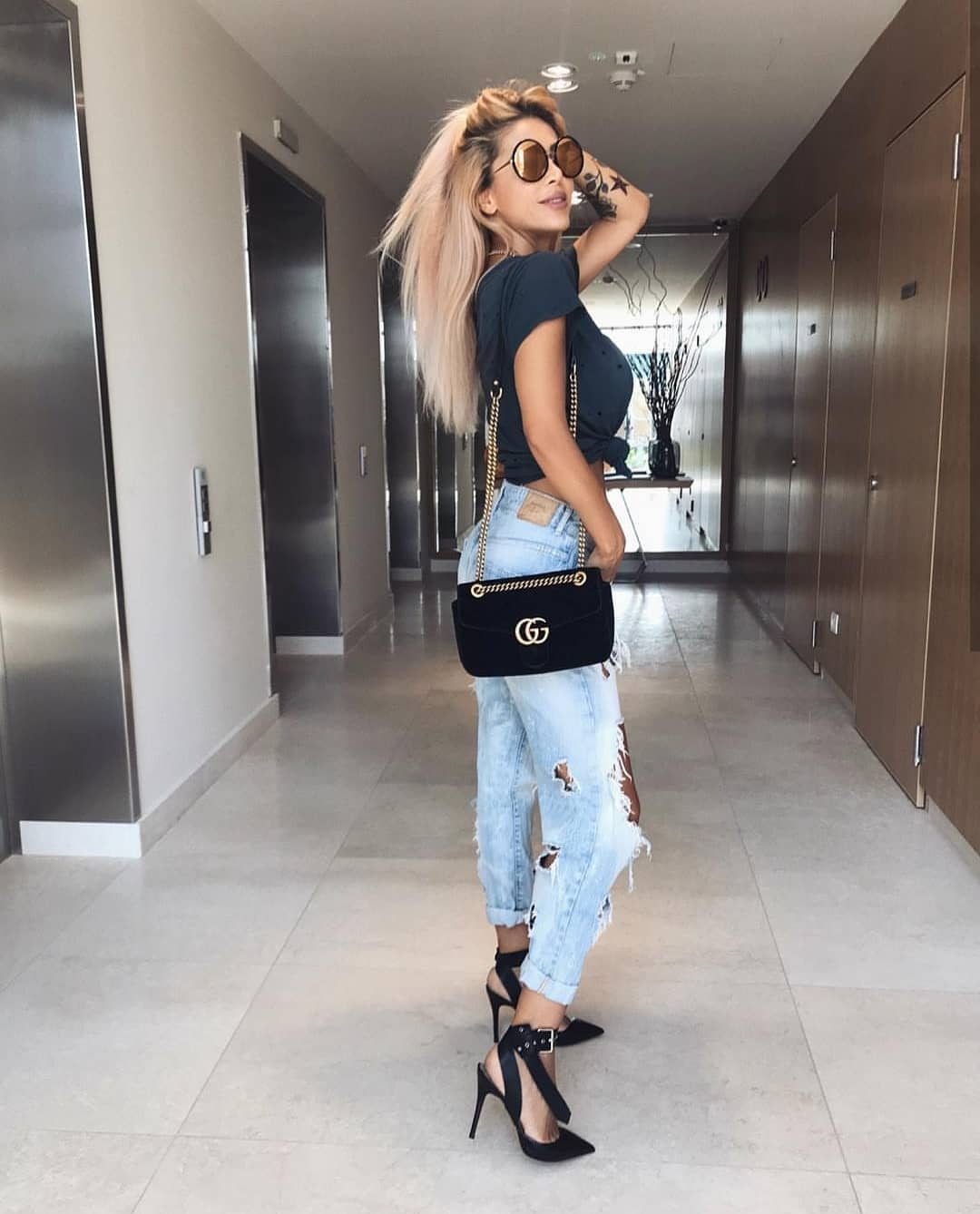 Ripped Boyfriend Jeans And Front Tie Black Tee For Summer 2019