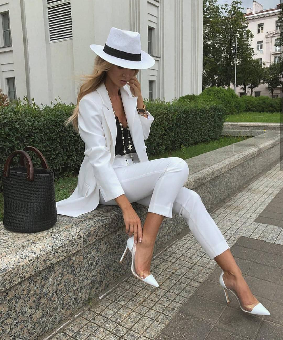 All White Essentials For Summer: White Suit, White Fedora And White Pumps 2019