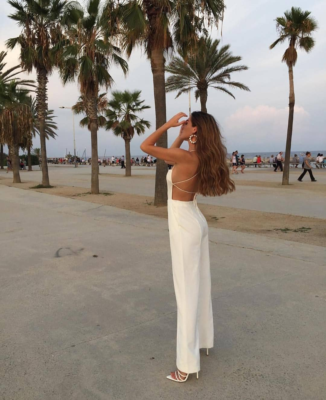 Open Back Jumpsuit For Summer Parties: All White Outfit Idea 2019