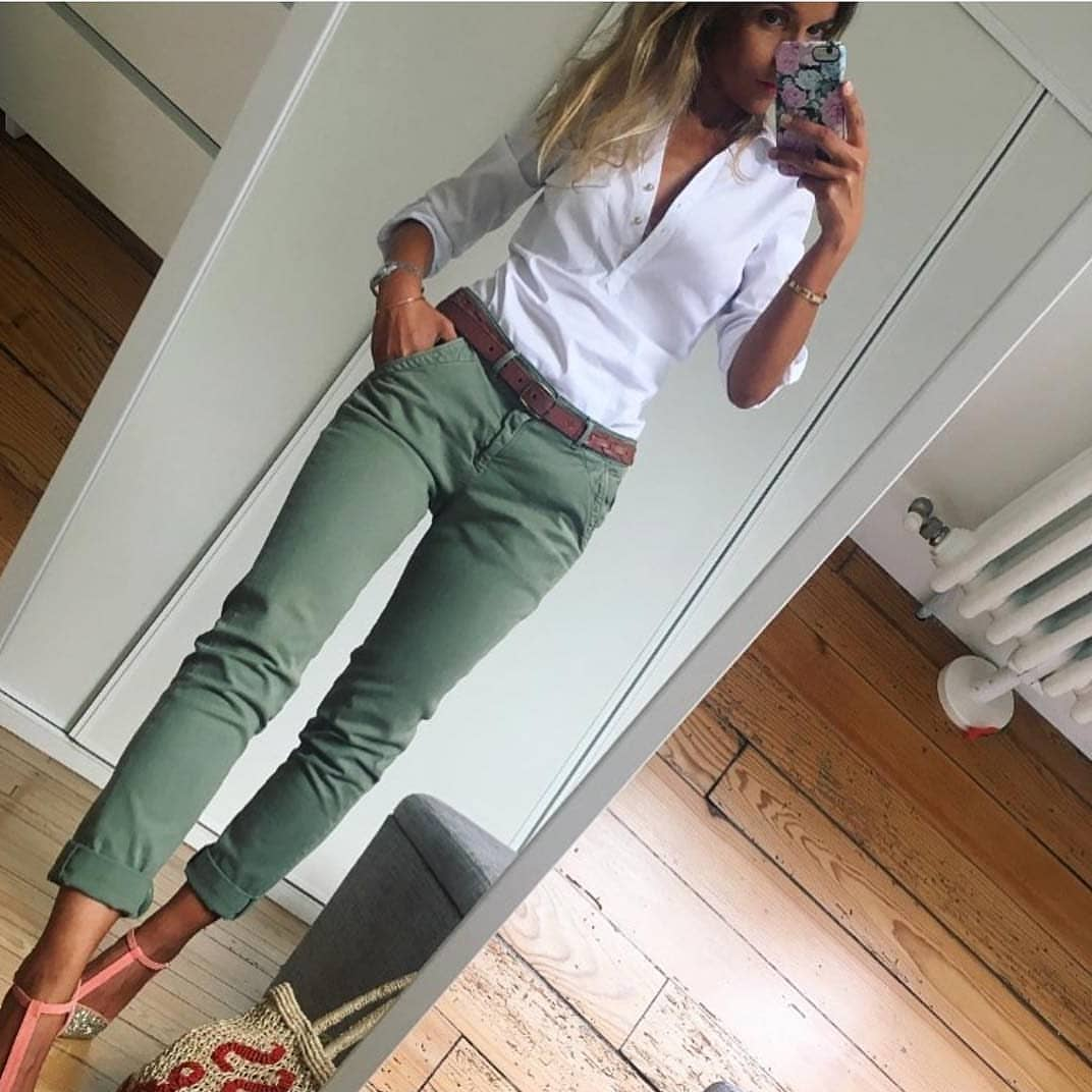 Can I Wear Khaki Green Pants With White Shirt This Spring 2021