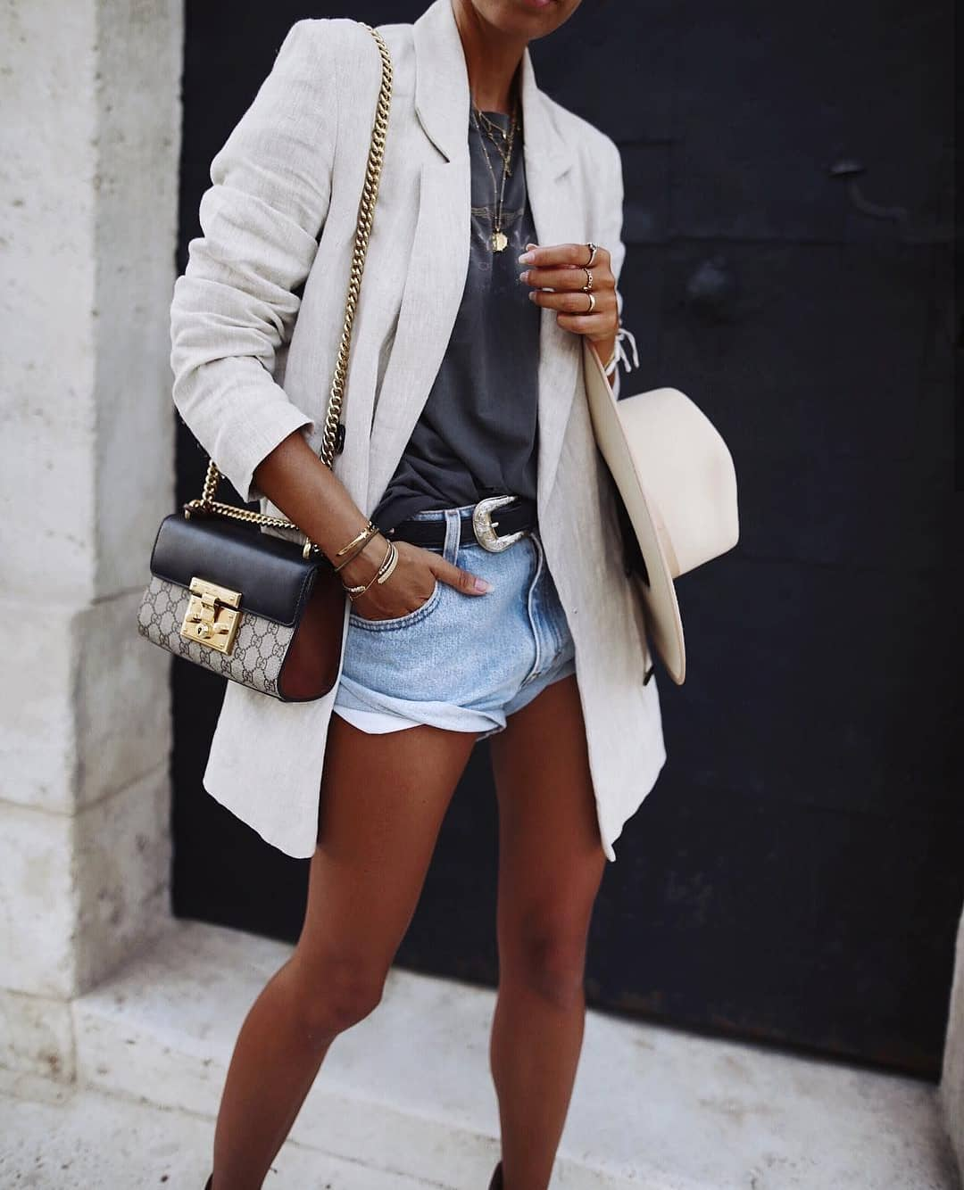 Can I Wear White Linen Oversized Blazer With Black Tee And Denim Shorts 2019